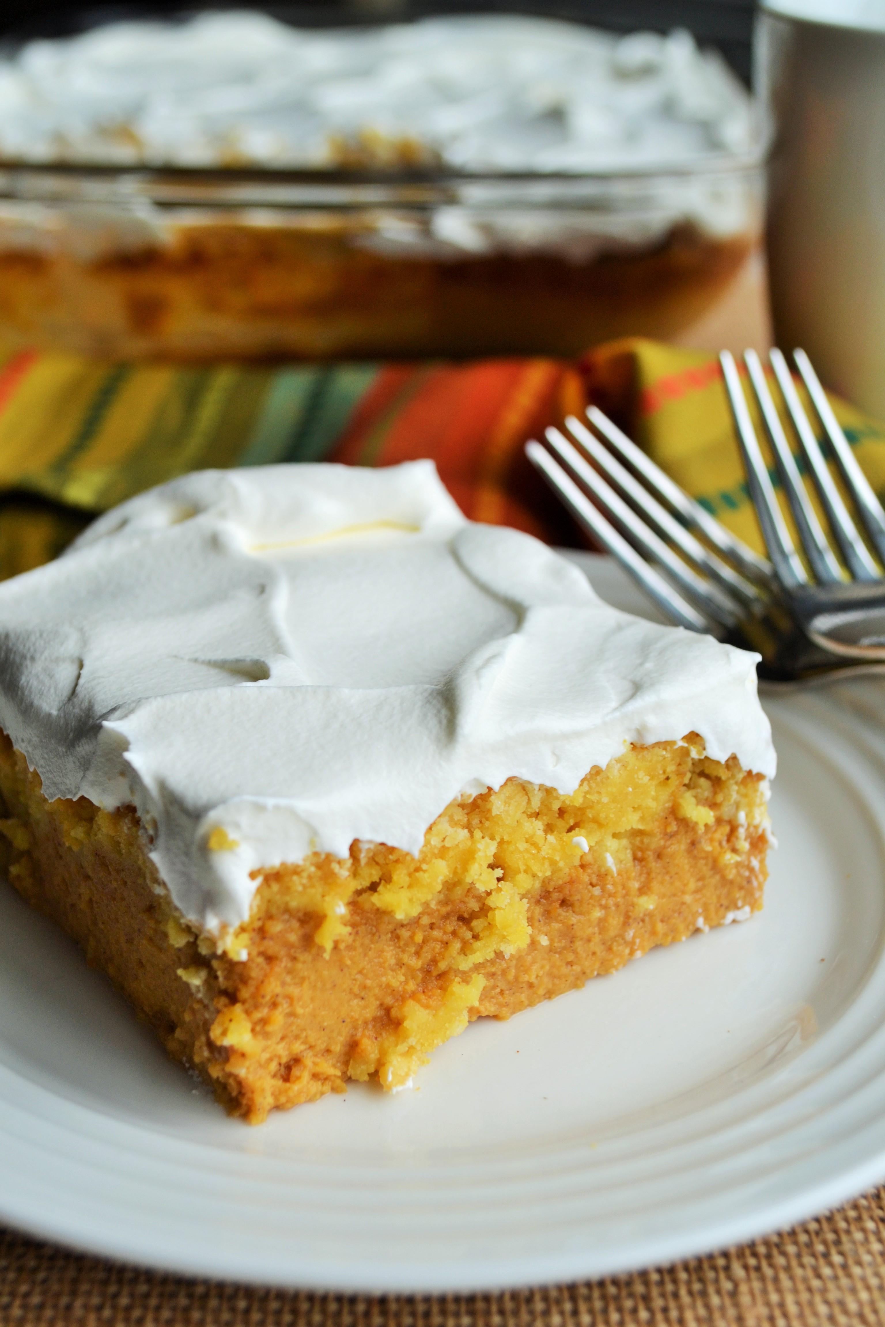 Pumpkin Crunch Cake - Pack Momma