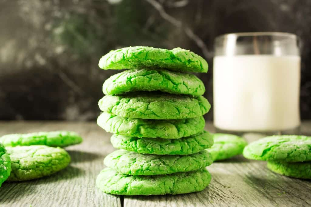 Shamrock Green Crinkle Cookies  - Pack Momma