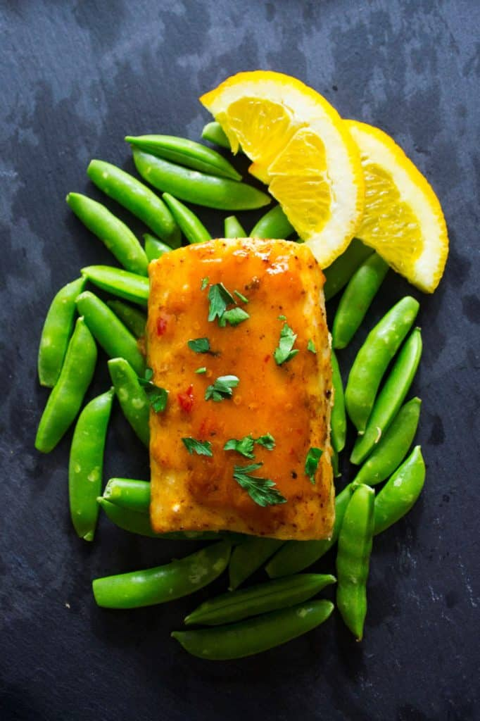 Baked Mahi Mahi with Citrus Glaze | This Baked Mahi Mahi with Citrus Glaze is healthy, nutritious and delicious! | Pack Momma | https://www.packmomma.com