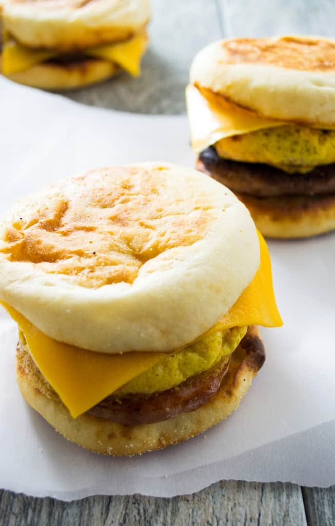 Make Ahead Freezer Breakfast Sandwiches | These easy Make Ahead Freezer Breakfast Sandwich will save you time in the morning and feed your family a healthy, nutritious breakfast as you are flying out the door! | Pack Momma