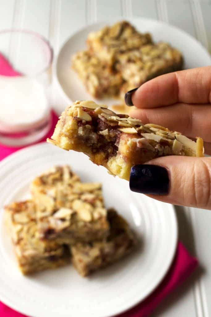 Raspberry Almond Bars   Raspberry Almond Bars are tart, sweet and packed with almond flavor. These are an easy crowd pleasing dessert treat that is sure to be your new favorite.   Pack Momma   www.packmomma.com