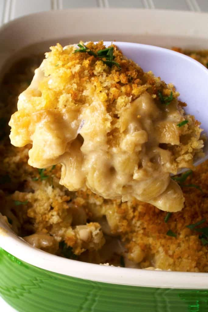 Guinness Mac 'n Cheese | Guinness Mac 'n Cheese perfectly combines the richness of Guinness and the sharpness of delicious Irish cheeses for the ultimate macaroni and cheese dish. | Pack Momma | www.packmomma.com