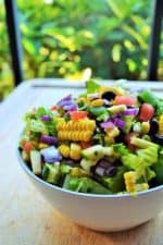 Farmers Market Vegetable Salad | Farmers Market Vegetable Salad is a simple healthy vegetable salad that's fun, delicious and too pretty not to enjoy. The perfect healthy choice to brighten any meal. | Pack Momma | https://www.packmomma.com