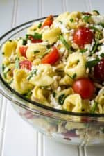 Tortellini Pasta Salad | This Tortellini Pasta Salad is light, refreshing and so quick to put together it is the perfect side dish to bring to any of your summer backyard parties. | Pack Momma | www.packmomma.com