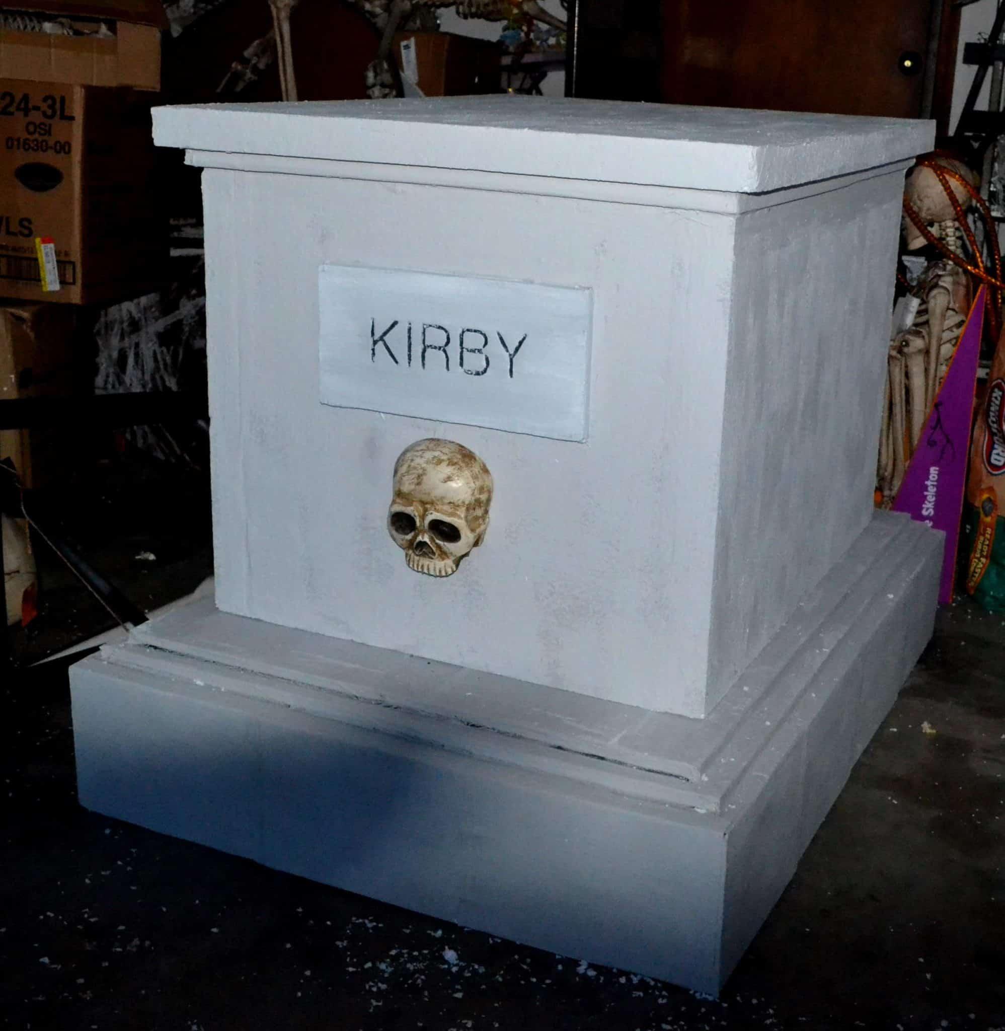 Cemetery Crypt – Halloween Prop