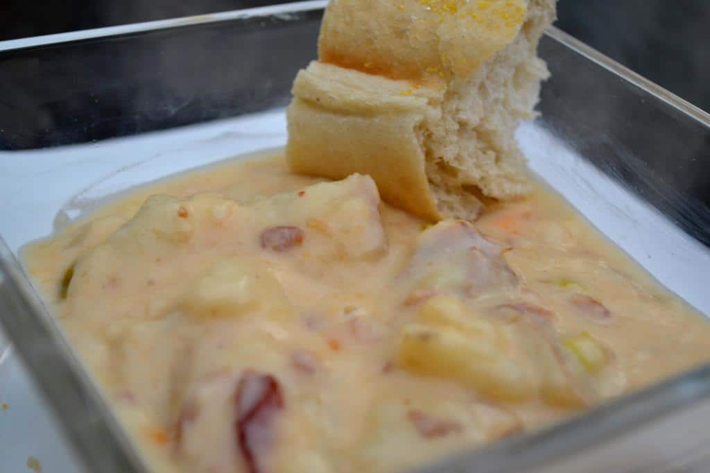 Baked Potato Beer Cheese Soup