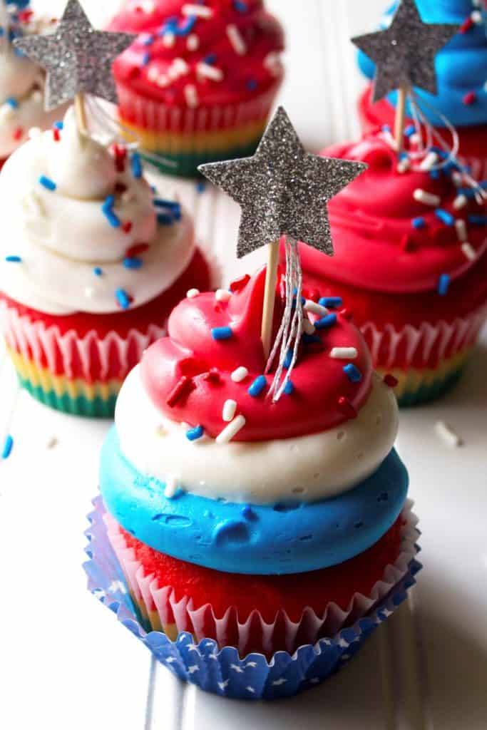 Red White & Blue Patriotic Cupcakes | These Red White & Blue Patriotic Cupcakes are the perfect sweet treat to show off your American pride this Fourth of July, Memorial Day or ANY day.| Pack Momma | https://www.packmomma.com