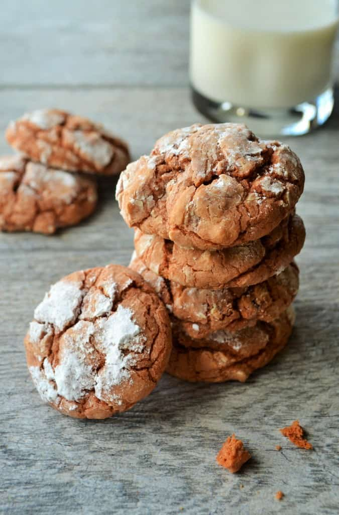 Crinkle Spice Pumpkin Cookies | Full of rich pumpkin and spice flavors, these amazing Crinkle Spice Pumpkin Cookies are easy to make and even easier to eat!! | Pack Momma | https://www.packmomma.com