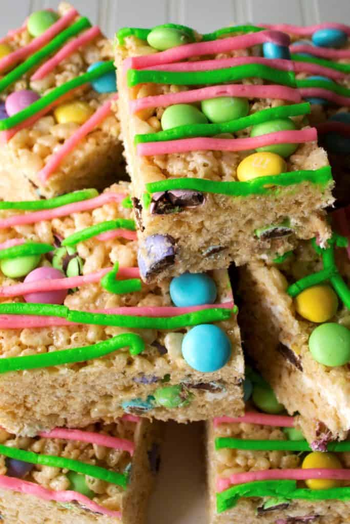 No-Bake Easter Rice Krispie Treats   No-Bake Easter Rice Krispie Treats are the perfect dessert to celebrate Springtime. Adorable, delicious and easy to make, these are the perfect sweet treat   Pack Momma   https://www.packmomma.com